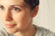 Vue de profil du visage d'une femme
