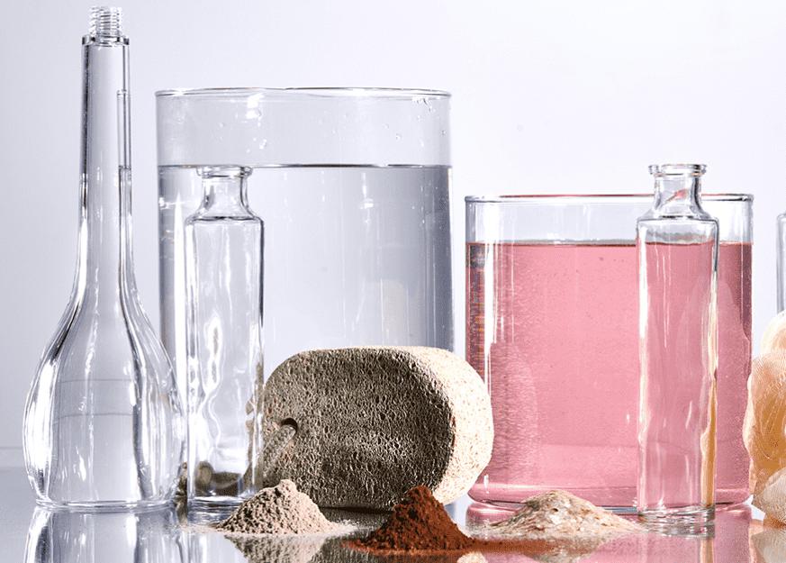 Béchers d'ingrédients bruts de Neutrogena
